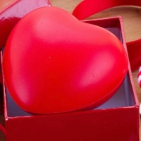"""4 Tips to Package the perfect """"Last Minute"""" Valentines Day Gift."""